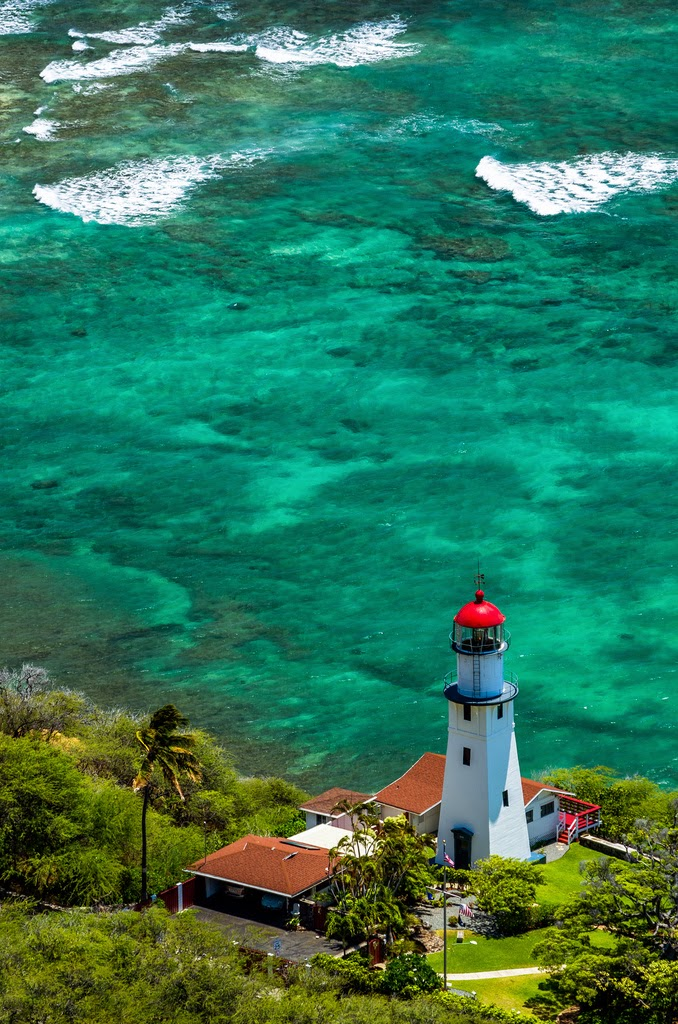 Sizzling Tourist Hotspots in Hawaii | Diamond Head Lighthouse, Oahu, Hawaii