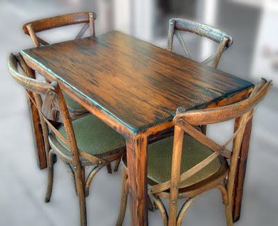 """Στο """"σφυρί"""" βγάζει ο Δήμος Ηγουμενίτσας, κατασχεμένα τραπέζια και καρέκλες"""