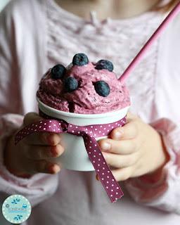 http://sasibella.blogspot.de/2013/09/waldbeeren-frozen-yoghurt.html