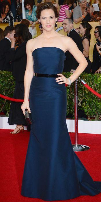 Jennifer Garner in a navy Max Mara dress at the SAG Awards 2014