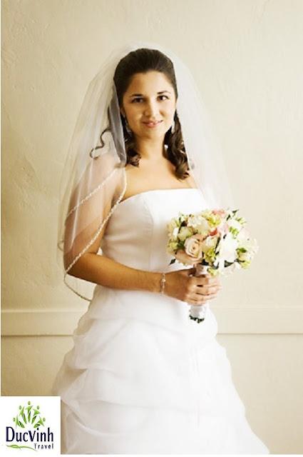 Mẹo chọn váy cưới cho cô dâu mũm mĩm