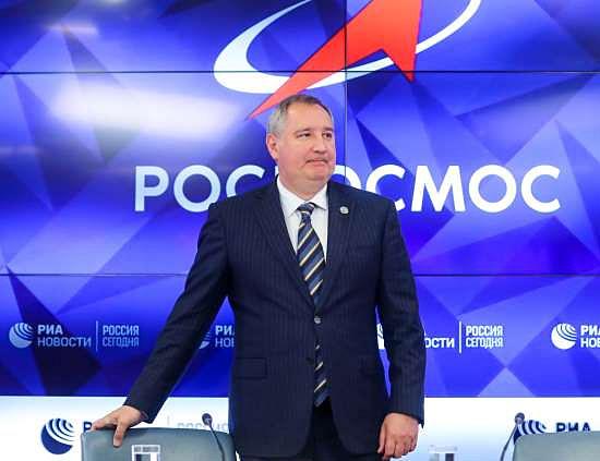 Russos vão verificar se EUA realmente estiveram na Lua, afirma chefe da Agência Espacial Russa - Img 1