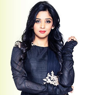 Nyla Usha hot, family, husband, photos, family, divorce, hot photos, wedding, marriage photos, new car, movies, husband photos, actress, upcoming movies, malayalam actress