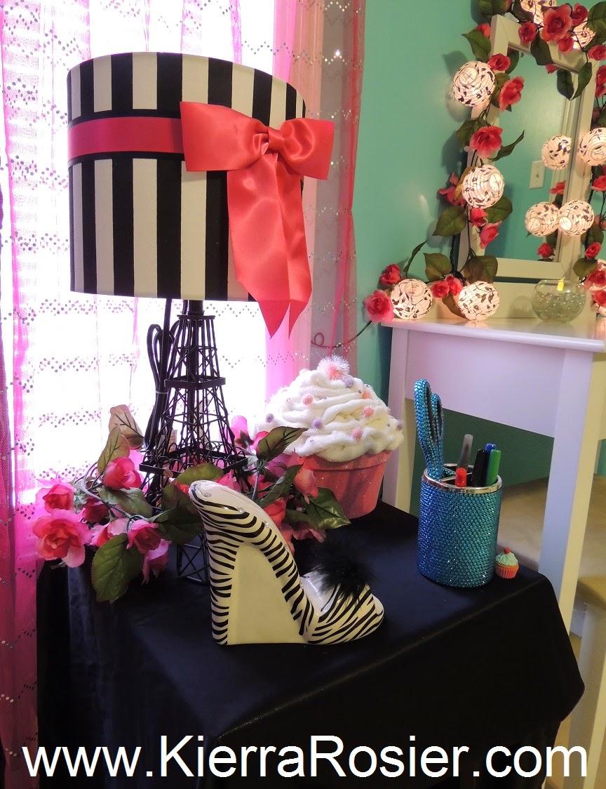 glitter lambs paris room makeover eiffel tower themed. Black Bedroom Furniture Sets. Home Design Ideas