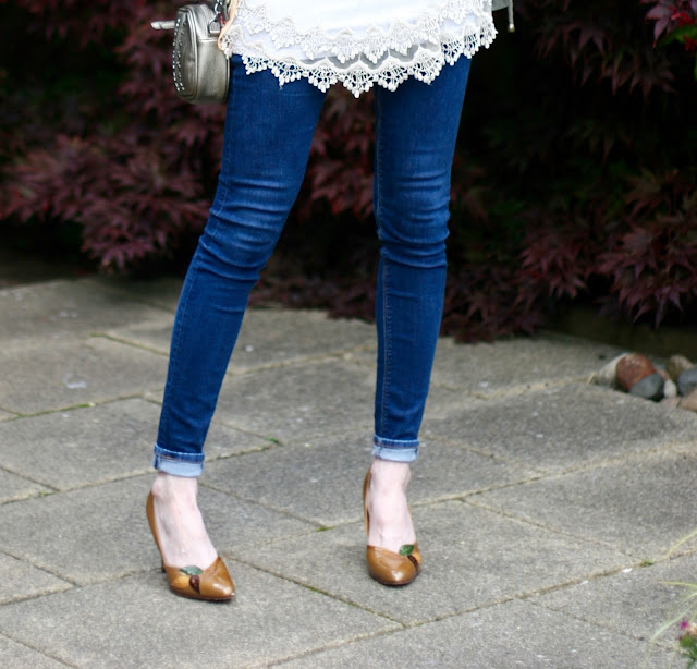 Vintage shoes and skinny jeans | Fake Fabulous