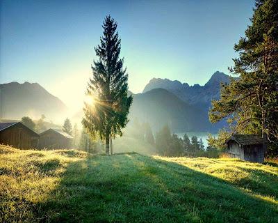 Keindahan Alam - Mentari Terbit dan Terbenam