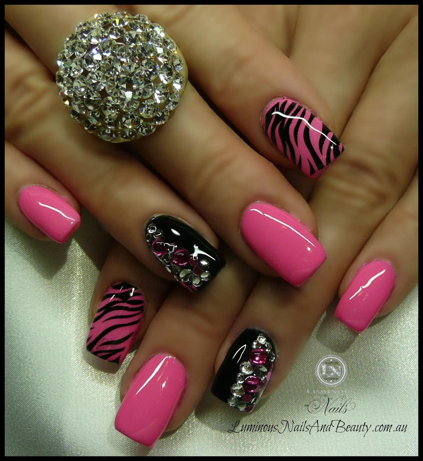 Nail Art Ideas In Pink: Hot Nail Designs