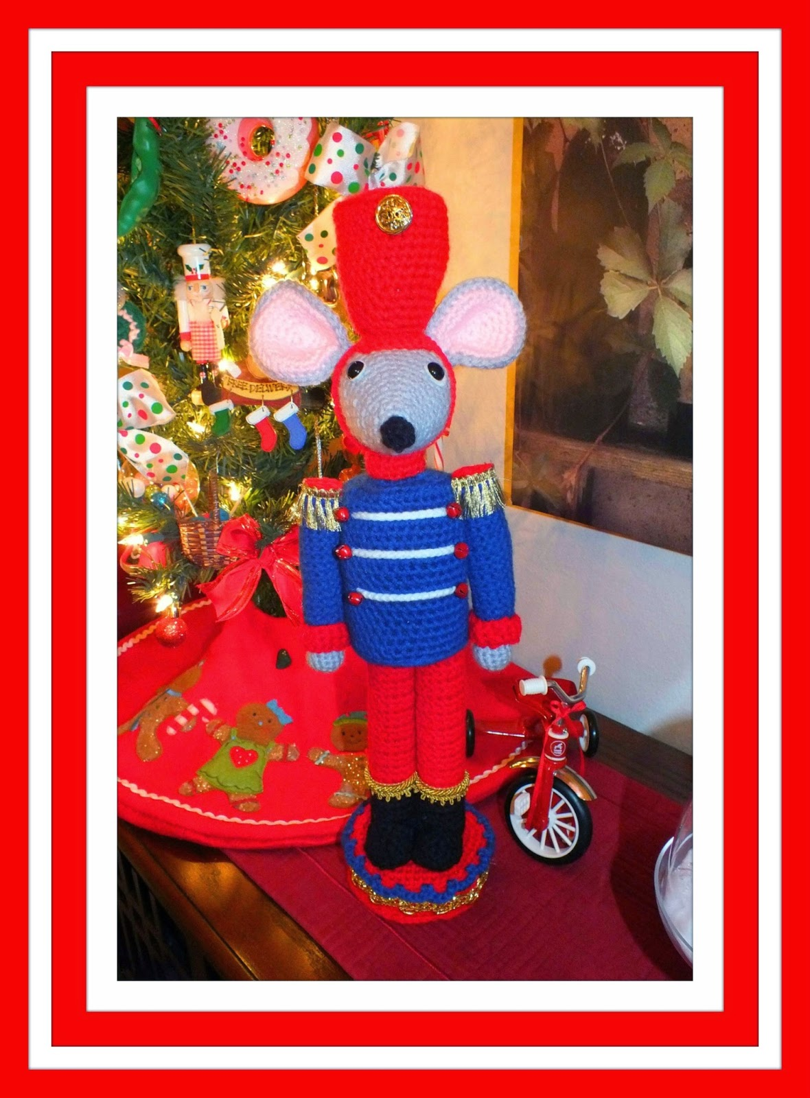 Christmas Mouse Nutcracker & Doll Pattern© By Connie Hughes Designs©