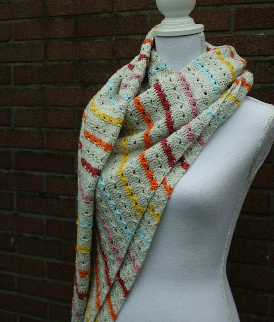 Cable stitch shawl, a new crochet pattern by Happy in Red