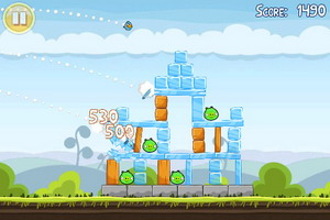 Angry Birds Free available for download on AppStore, features 12 brand new levels