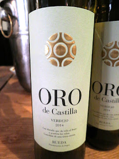 Bodegas Hermanos del Villar Oro de Castilla 2014 - DO Rueda, Spain (89 pts)