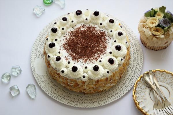 torta di compleanno alla stracciatella ricotta e cioccolato