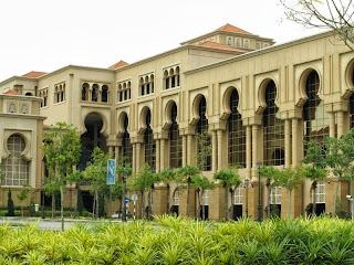 Foto 4: Bangunan Sultan Ismail - senibina moorish