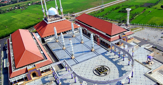 Places of Interest in Semarang Should You Visit Masjid Agung Jawa Tengah, Lawang Sewu, Maron Beach