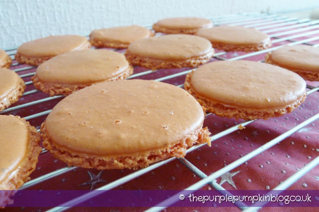 Her Majesty's Macarons (Macaroons)