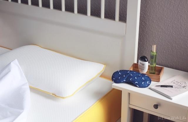 erholsamer Schlaf mit eve Matratze Kissen Bettwäsche