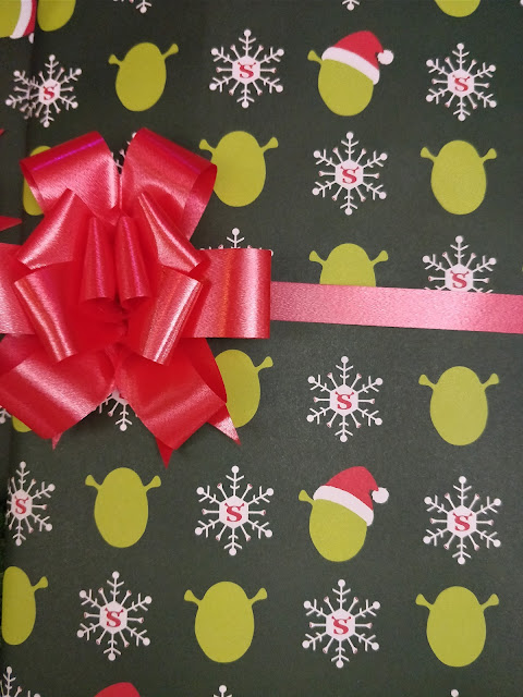 Shrek Christmas wrapping paper