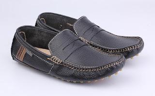 trend sepatu kerja klasik,sepatu kerja pria tanpa tali,grosir sepatu kerja murah,sepatu kantor semi santai,sepatu casual formal kulit