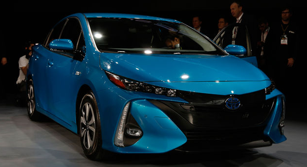 Review Automotive Toyota Prius Prime Plug In Aims To Defend Green Car Throne Against Volt And Ioniq