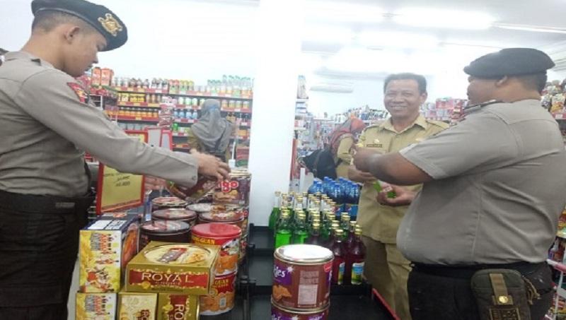 Tim Gabungan Turun Kepasar Mengantisipasi Beredarnya Makanan Rusak dan Kadaluarsa
