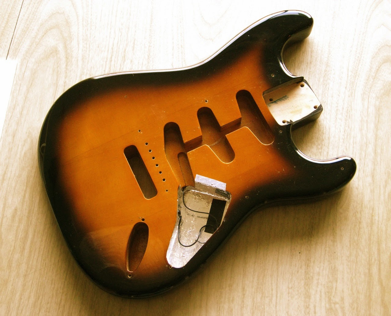 two color sunburst, Strat, alder, wood, MIJ, custom, Partsocaster, custom, project
