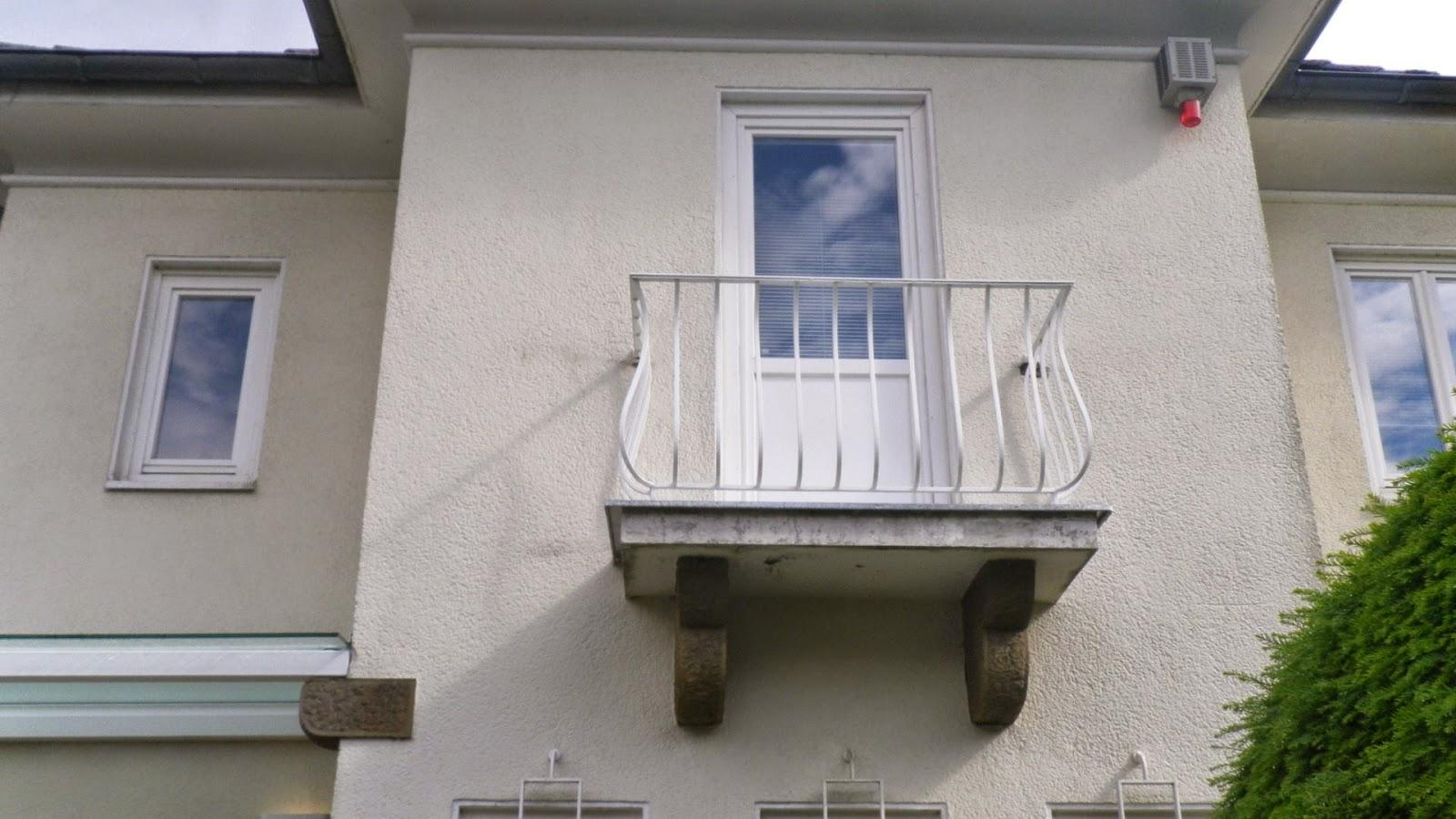 Uberdachung Hauseingang Kellertreppe Gartentur