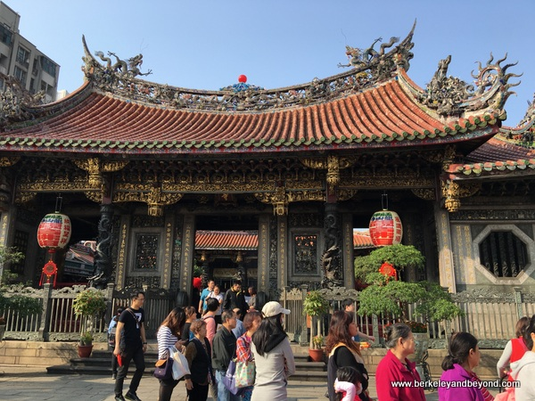 interior gate at Longshan Temple/Mengjia Longshan Temple in Tapei, Taiwan