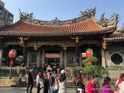 interior gate at Longshan Temple/Mengjia Longshan Temple in Tapei, Taiwan