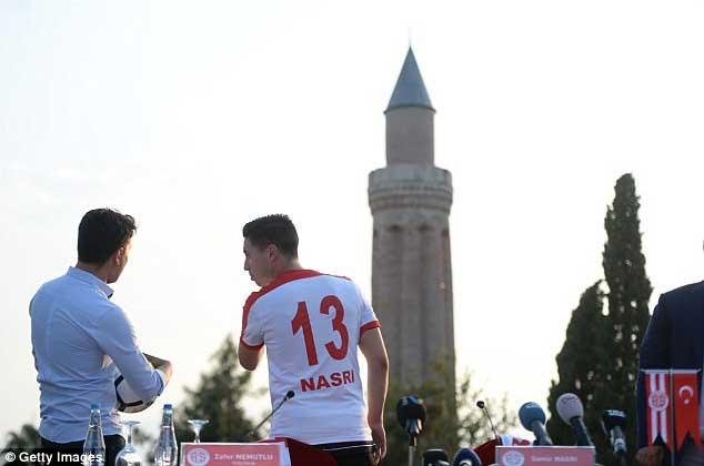 Hàng thải Man City giá rẻ như bèo ra mắt Antalyaspor 3