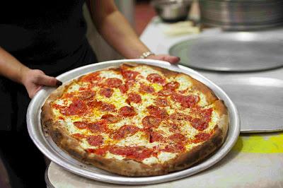 Mangiare a Coney Island Totonno's Pizzeria Napolitano