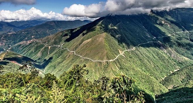 Hasil gambar untuk 'DEATH ROAD' LA PAZ, BOLIVIA