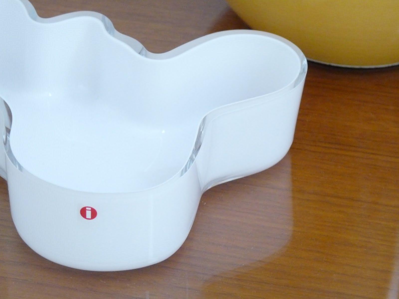 White Alvar Aalto Dish