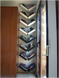 ideas para organizar el calzado detras de la puerta