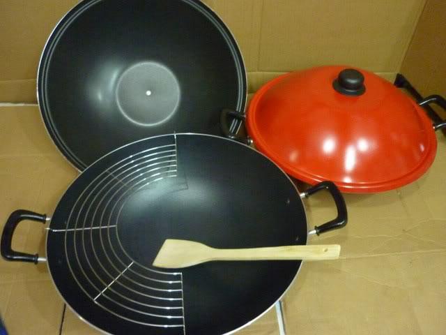 Tips Menghilangkan Bau Amis dari Penggorengan