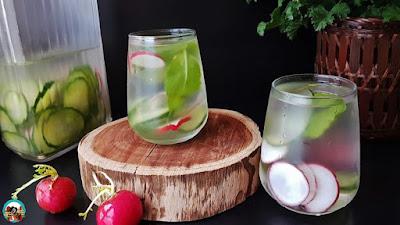 Agua detox,pepino y rábanos
