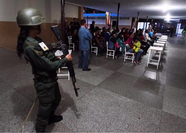 Atraco masivo a votantes del centro electoral de Maracaibo