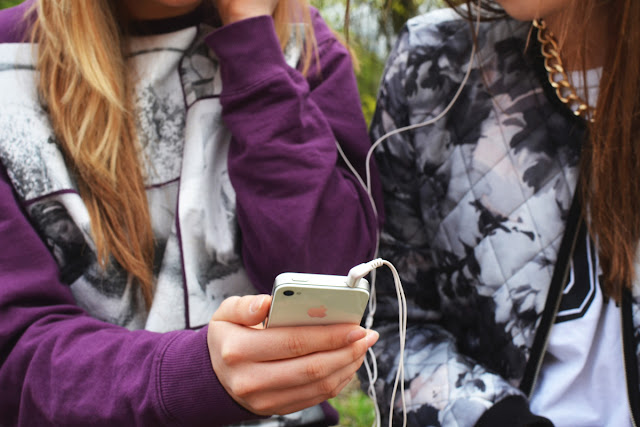 drugarice-na-smartfon-mobilnom-telefonu-ajfon