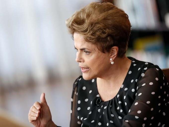 """Dilma reaparece e pede """"eleições livres"""" em 2018"""