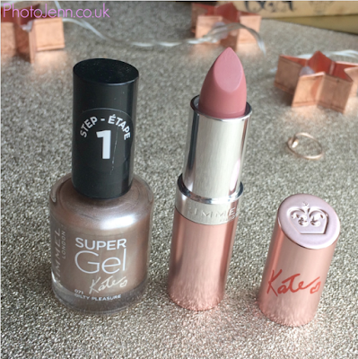 kate-moss-Rimmel-15-years-supergel-nail-lasting-finish-lipstick
