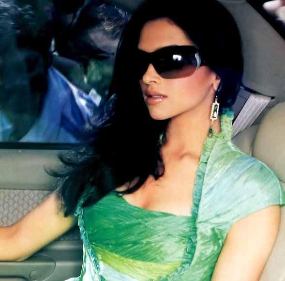 Bollywood Actress Wallpapers: Deepika padukone