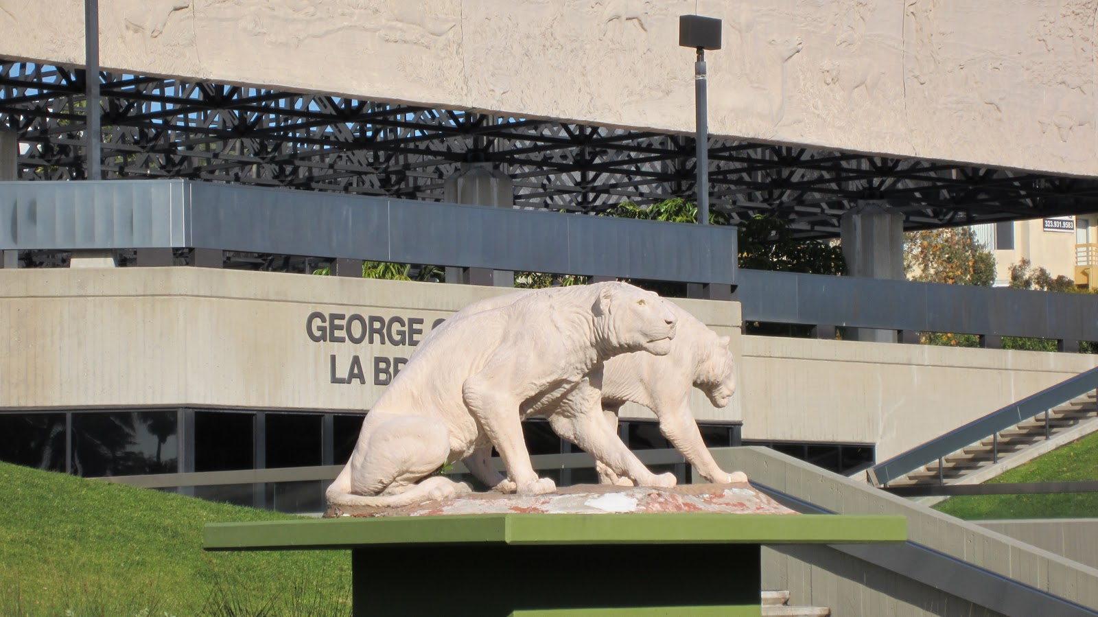 get off the computer: Miracle Mile: George C. Page Museum ...