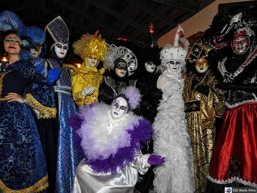 Corte do Carnavele de Venezia com seu baile de máscara - onde comer em Veneza - Bodega do Zeca
