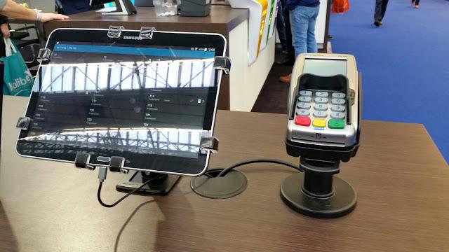 平板電腦防盜鎖架,平板電腦展示陳列防盜鎖立架,POS進銷存系統專用平板防盜架
