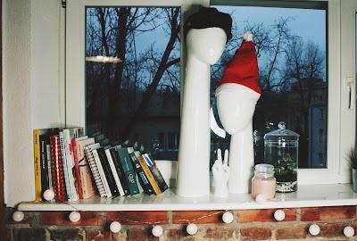 świąteczne dodatki na okno