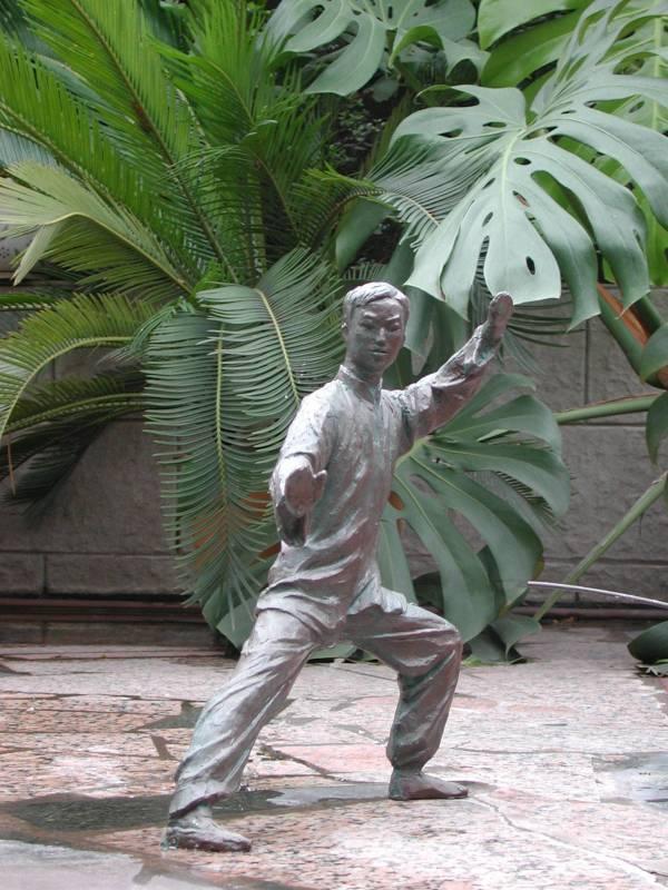 Zhang Yaxi 1968 | Chinese sculptress