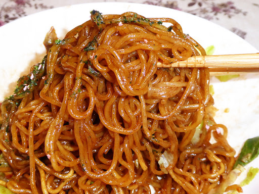 カップ焼きそばの美味しい作り方・裏ワザ!☆電子レンジを使えば生麺ぽいモチモチ食感に変わるらしい!