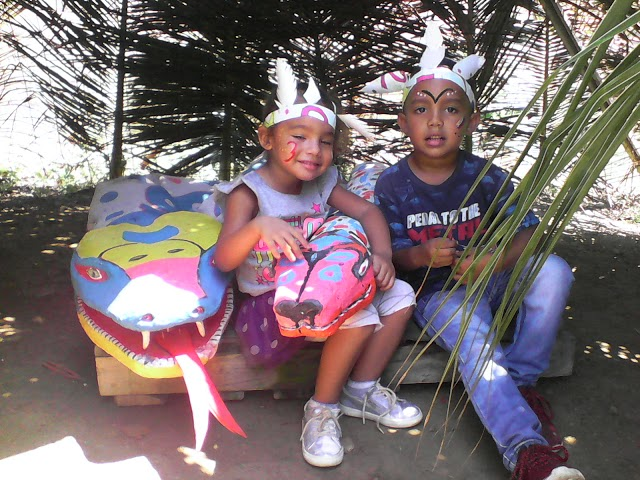 EN FOTOS: Celebran la marcha de la culebra por el día de la resistencia Indígena