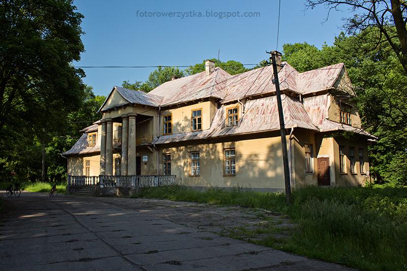 dwór Tarnowskich w Maliniu