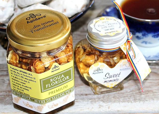 Ceaiul de la ora 5, cu miere si turta dulce de la Apidava