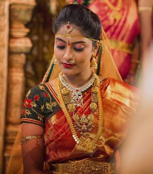 Bride in Nakshi Haram Kasulaperu